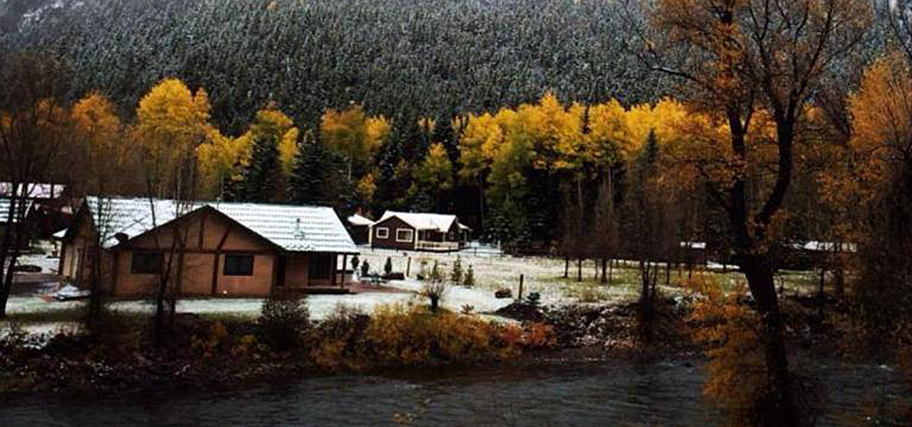 Blue Creek Lodge
