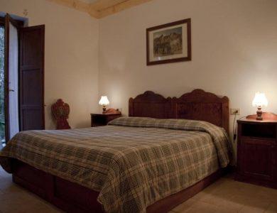 Albergo Paradiso bedroom
