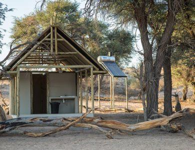 Kalahari-Game-Lodge- Outside Bathroom