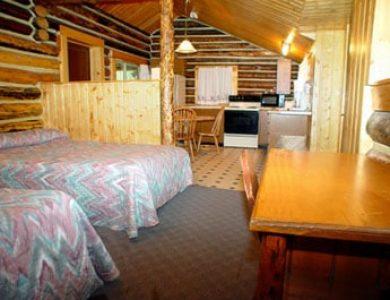 Pahaska Tepee Resort twin room