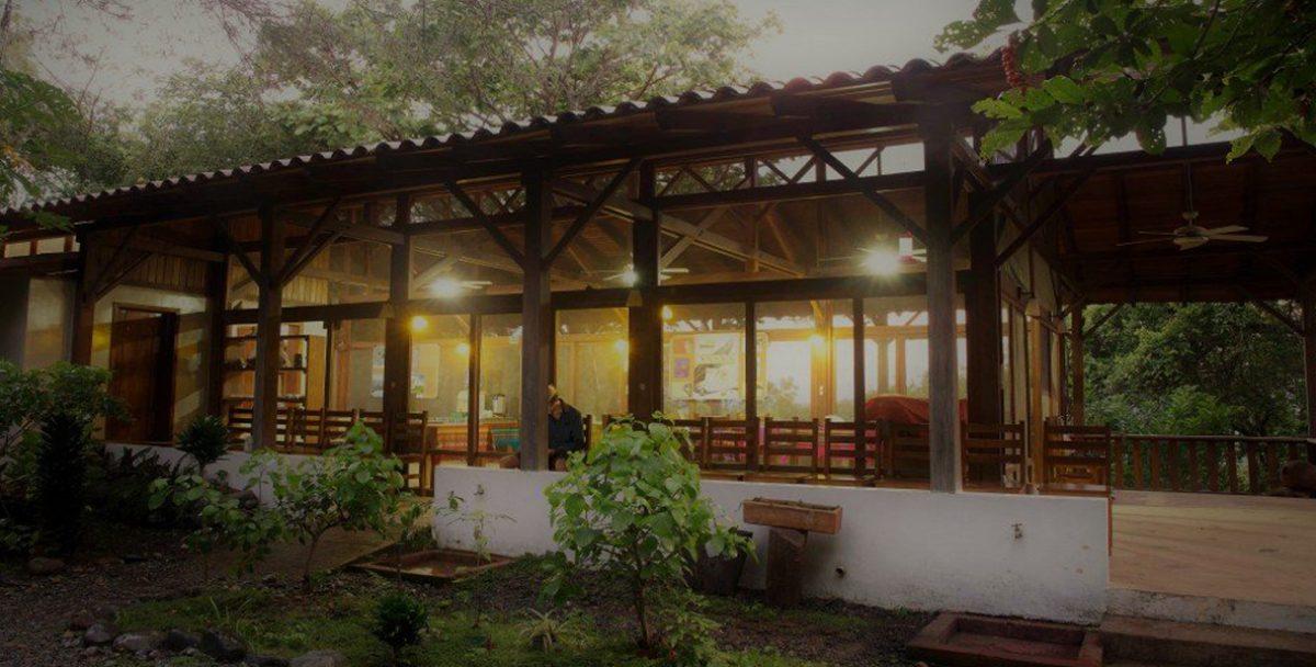Urraca - the-lodge