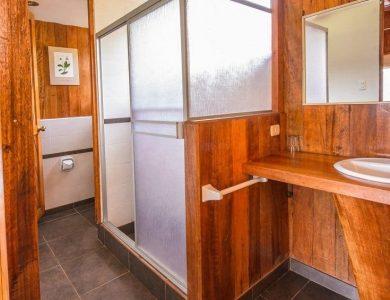 Wayqecha bathroom