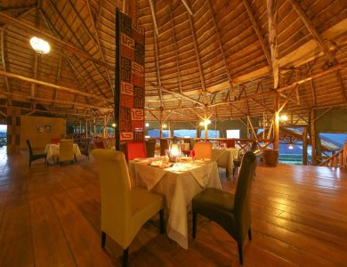 Crater Safari Lodge - Dining area