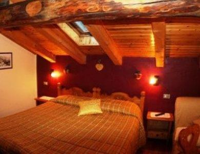 hotel-herbetet-bedroom-2-l