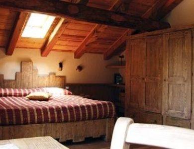 hotel-herbetet-bedroom-l