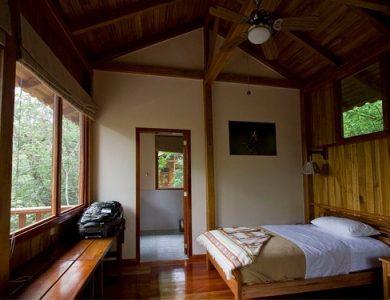 Urraca - inside-a-cabin