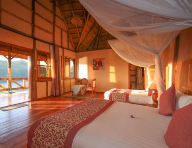 Crater Safari Lodge - Inside one of the rooms