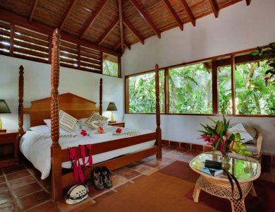 Caves Branch Jungle Lodge - Jungle bungalow accommodation
