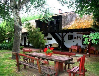 Kondor Eco Lodge - Click here for more info