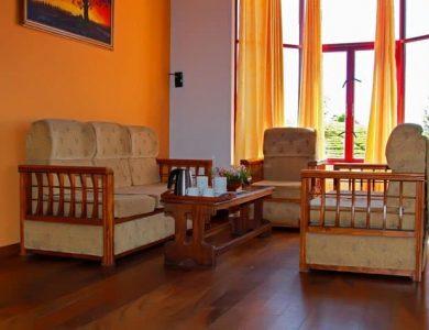 Leisure Village lounge-area
