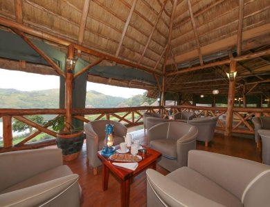 Crater Safari Lodge - Lounge area