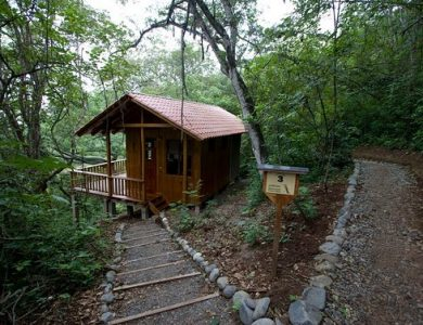 Urraca - outside-one-of-the-cabins