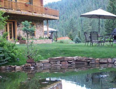 Wilderness Gateway B&B - Pond in the garden