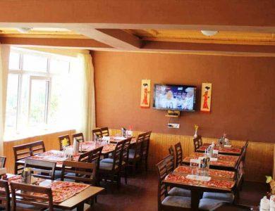 Hotel Charu Palace restaurant