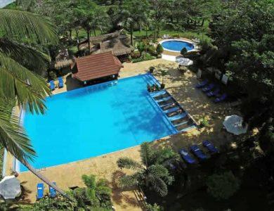 Daluyon Beach and Mountain Resort swimming-pool