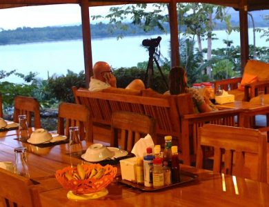 weda-resort-dinner-table-with-a-view